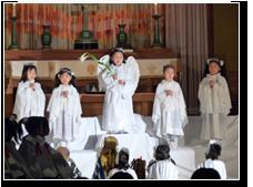 12月:ページェント クリスマスの日にイエス様のお生まれを劇にして年長さんがその喜びを伝えます