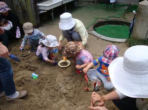 砂場で遊ぼう