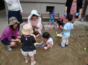 砂場で遊ぼう005
